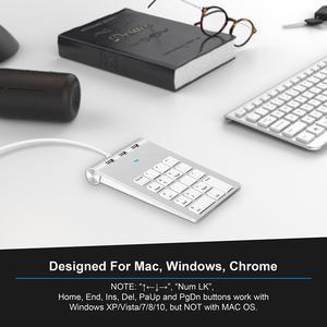 白色书本眼镜键盘渲染场景